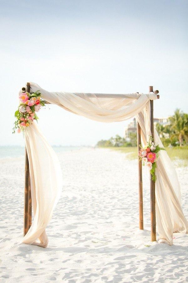 beautiful arch for beach wedding